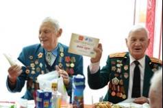 Волинські ветерани отримали подарунки до Дня Перемоги