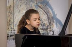 Обдарована піаністка прославляє Україну за кордоном